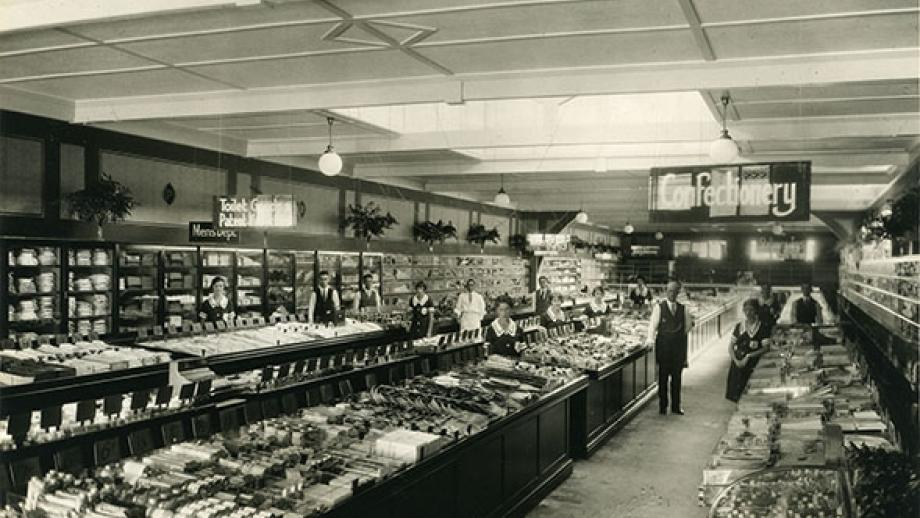 """""""Penneys save you pounds', Cairns, 1930s"""