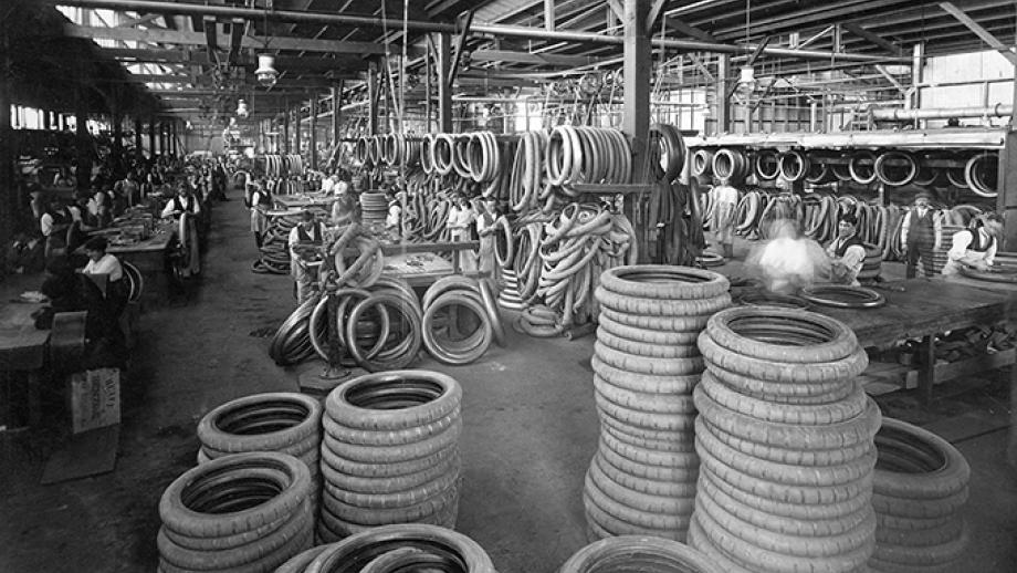 Tyre production at Dunlop Rubber's Montague mill
