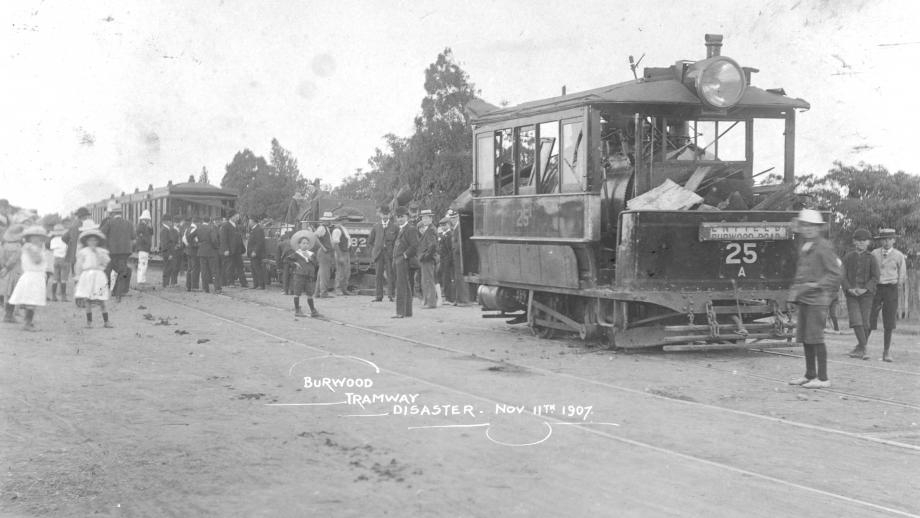 E80-61-054 National Union of Railwaymen of Australia - Photograph of Burwood tramway disaster, 1907